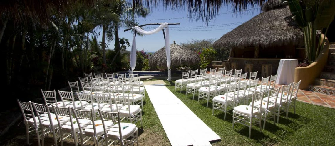 wedding-in-a-mexican-villa-next-to-the-beach